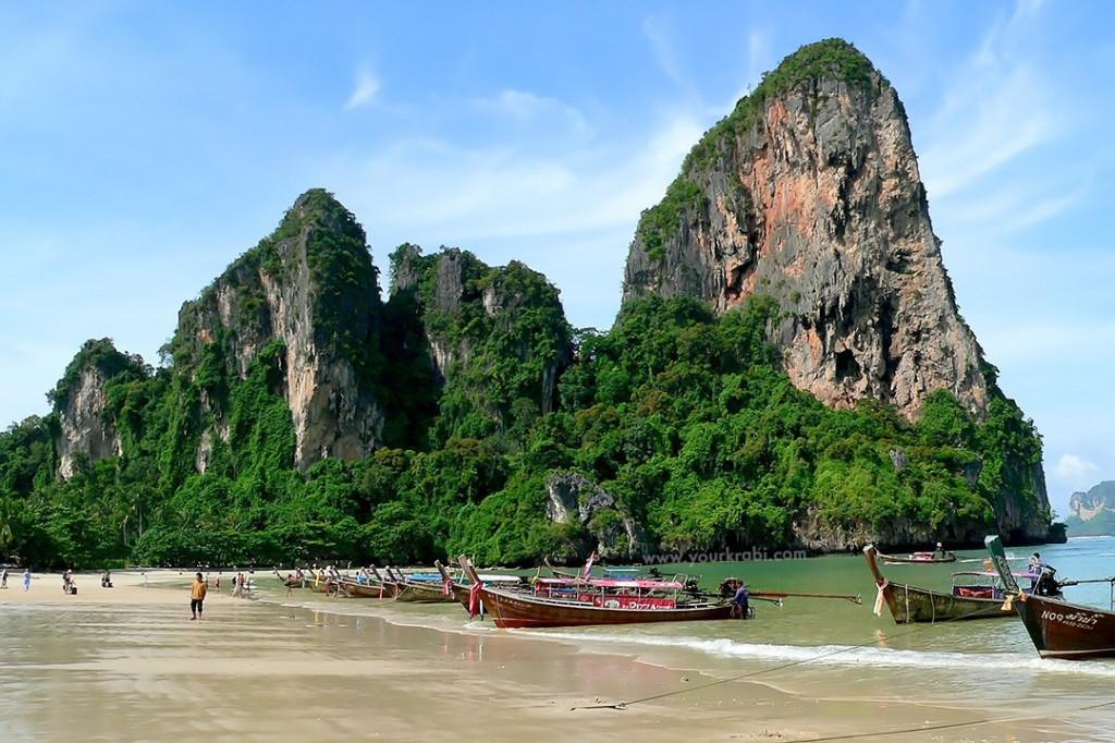 longboats-on-railay